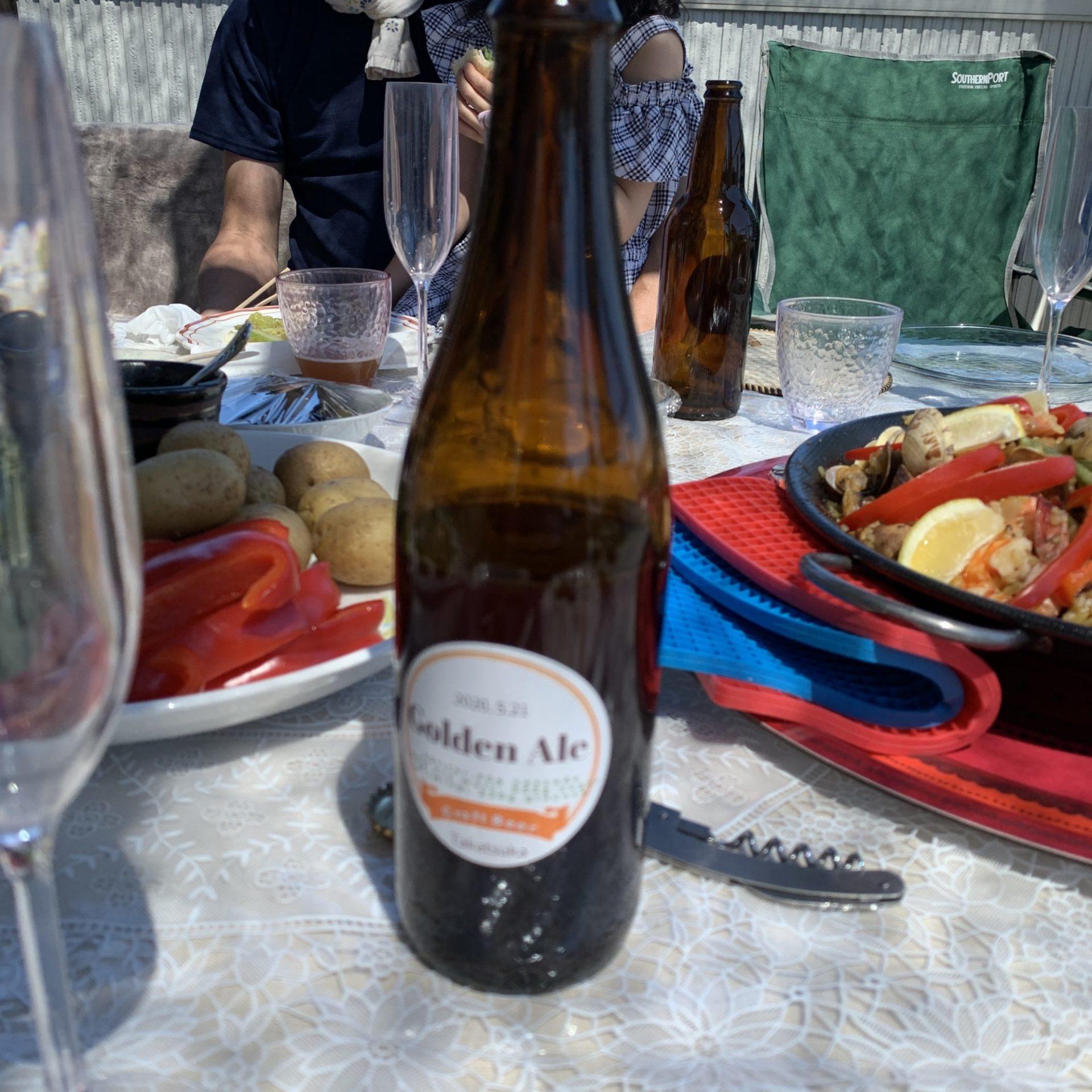 屋上バーベキューで持ち寄りの食材と自家製ビールの味わいは、贅沢この上ない楽しい時間でした。